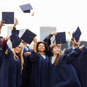 就学条件、就労制限の無い魅力的なビザ「卒業ビザ」