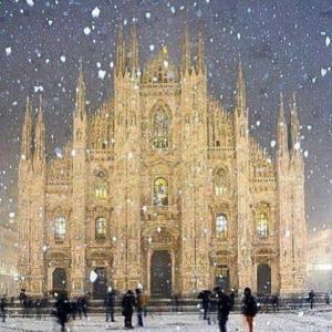 ミラノの初雪と共に届いた、悲しいお知らせ。