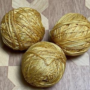 刺し子糸染めたのを巻いてみた。&買った糸たち。