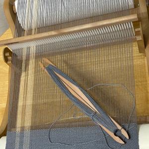 織り途中…完成はいつになるやら