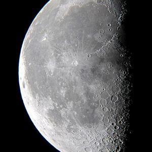 2021年7月31日の下弦の月