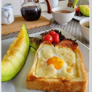 メロンがメインの朝食~♪