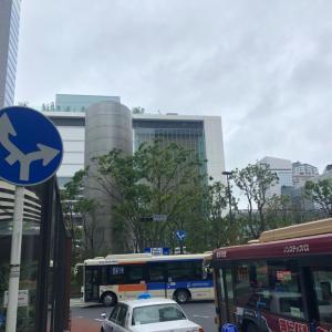 横浜西口駅前ロータリー、曲がり方に注意!!