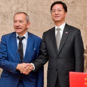 【チェコ】中国がチェコを恫喝!「台湾訪問団を派遣すれば在中チェコ企業に報復」 [海外]