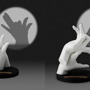 「光を当てると動物が現れる!」 の「影絵の手」がフィギュアになってガチャに登場!