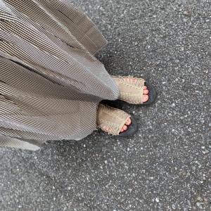 スカートにも合う♡KEENのサンダル