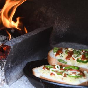 薪オーブンでピザトーストのランチ