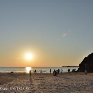 神在月の稲佐の浜の夕暮れ