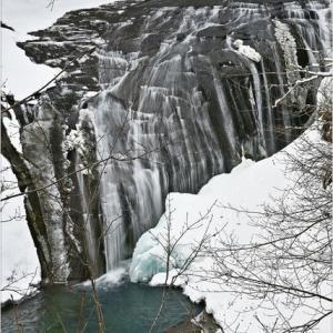 真冬の白扇の滝・・・。