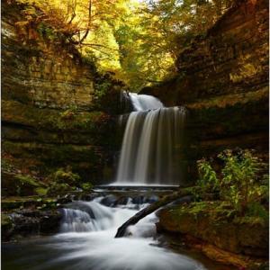 彩の秋を探しに・・・盤の沢の滝。