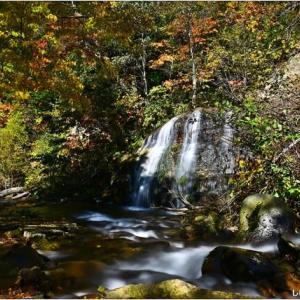 彩の秋を探しに・・・黄金岩の滝/落合ダム湖。