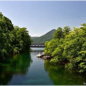 ひ撮り出・・・支笏湖の景。