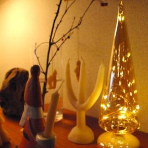 【クリスマス支度始めました】ガラスとライトが美しい、大人のツリー