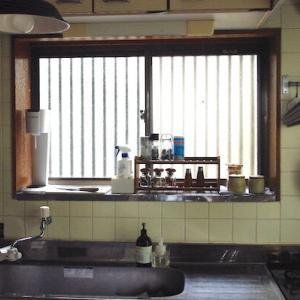 【キッチンの風景】好きなものと古いものに囲まれた、お気に入りの場所