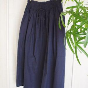 【セールで購入】春から秋まで、スリーシーズン履ける「影の立役者」的スカート