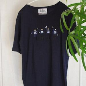 【遊び心のある外しアイテム】SHIPSコラボのメンズTシャツをワードローブに組み込んでみた。