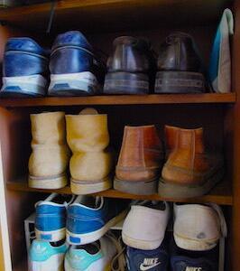 【家族でも適する収納方法はそれぞれ】100均をやめて、靴箱を使いやすい収納に