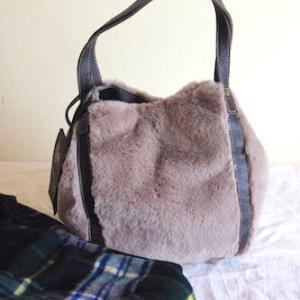 【小物で秋冬コーデをランクアップ】大人でも似合うファーバッグ買いました♪