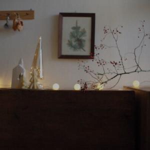 〈甘さ控えめのクリスマス〉古い家で楽しむ、少し大人のデコレーションのコツ