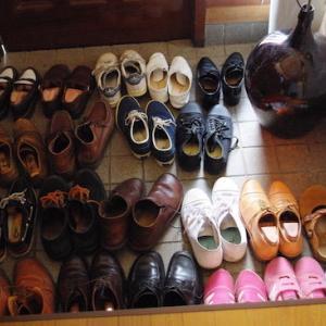 少ないことが適正量?〜好きなものに囲まれた暮らしを選択する、わが家の靴収納事情〜