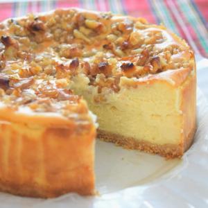手作りのサワークリームで♪キャラメル胡桃チーズケーキ♡