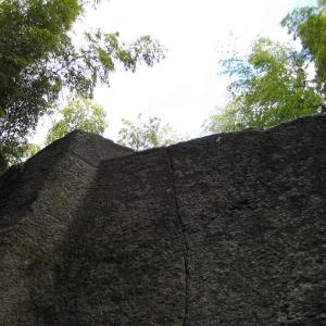 飛鳥の石造物と都塚古墳について その3
