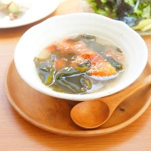 熟れすぎたトマトを救済!トマトとわかめの中華スープ