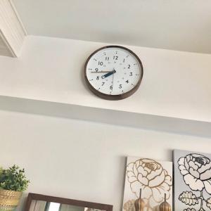 リビングに新しい時計を。