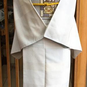 白地蚊絣亀甲格子文塩沢紬と灰地コプト色紙文なごや帯