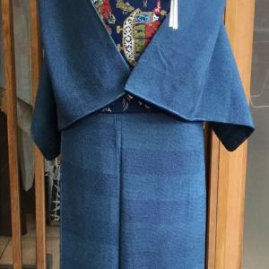濃紺地鮫角通し段文江戸小紋と藍地双南蛮船文川島織物製袋帯