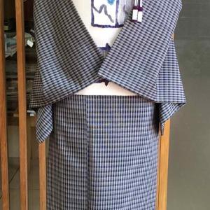 【単衣】灰地縞格子文塩沢紬と白地抽象画文なごや帯