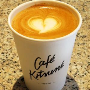 西日本初出店 CAFÉ KITSUNÉ ROASTERY(カフェ キツネ ロースタリー)カフェラテ
