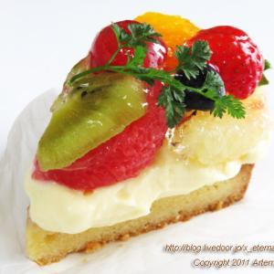 新オープン Country Cake もりのくまさん フルーツタルト いちごのショートケーキ