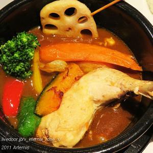 新オープン MARU.J 骨付き鶏スープカレー 豚角煮玉子丼