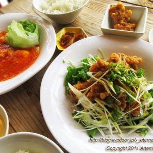 中華マルキン食堂 国産レバニラ炒め弁当 油淋鶏(ユーリンチー)ネギソース定食