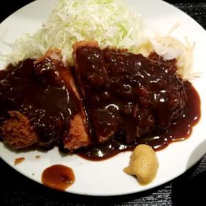 和歌山市にあるとんかつ屋の藤丸さんでトンカツ定食頼みました