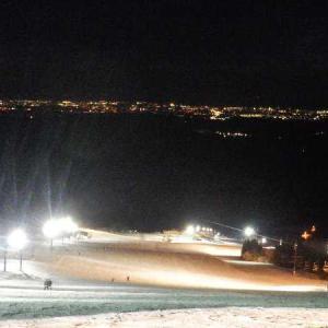 牛岳温泉スキー場、本日ナイター今季最終日。