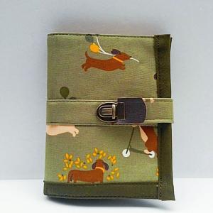 ダックス柄防水コットンの二つ折り財布