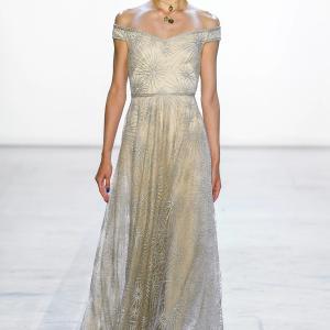 松島花さん着用「タダシショージ」ビース刺繍イブニングドレス