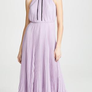 清楚で上品な「ジルスチュアート」プリーツドレス