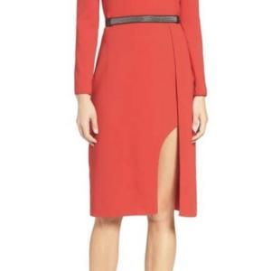 ドラマ衣装!ベルト付きコールドショルダーレッドドレス