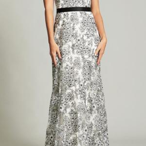 アンミカさん着用「タダシショージ」花柄ホワイトドレス