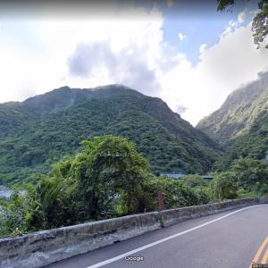 台湾で鉄道脱線事故、原因や場所は? Googleマップのストリートビューで検証
