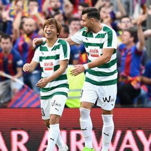 【動画】乾貴士がバルセロナから2ゴール!バルセロナ4-2エイバル
