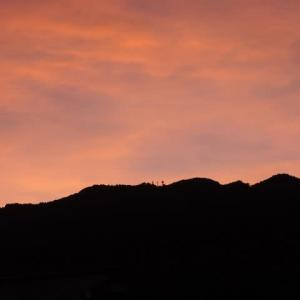 嵐の前の夕焼け