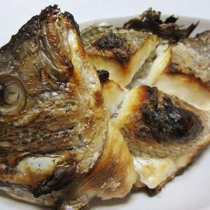 姿黒鯛の塩焼き ~半身を刺身で食べた昨日の残り~