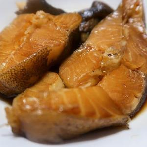 鰈の煮付けと紅梅ご飯 ~お味が沁みやすいカラスガレイ~