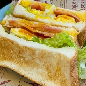 HOTサンド ~半熟ゆで卵ぶっちゅう、生食パンべろーん~