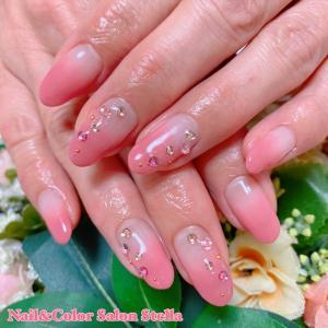 長さ出しと補強もしています♡春を感じます♪「フェミニンピンクグラデーション」な春色ピンクネイル☆