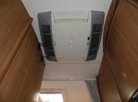 私がルーフエアコンを降ろして家庭用エアコンを入れ替えた訳と室外機の設置位置の検討と発電機の稼働